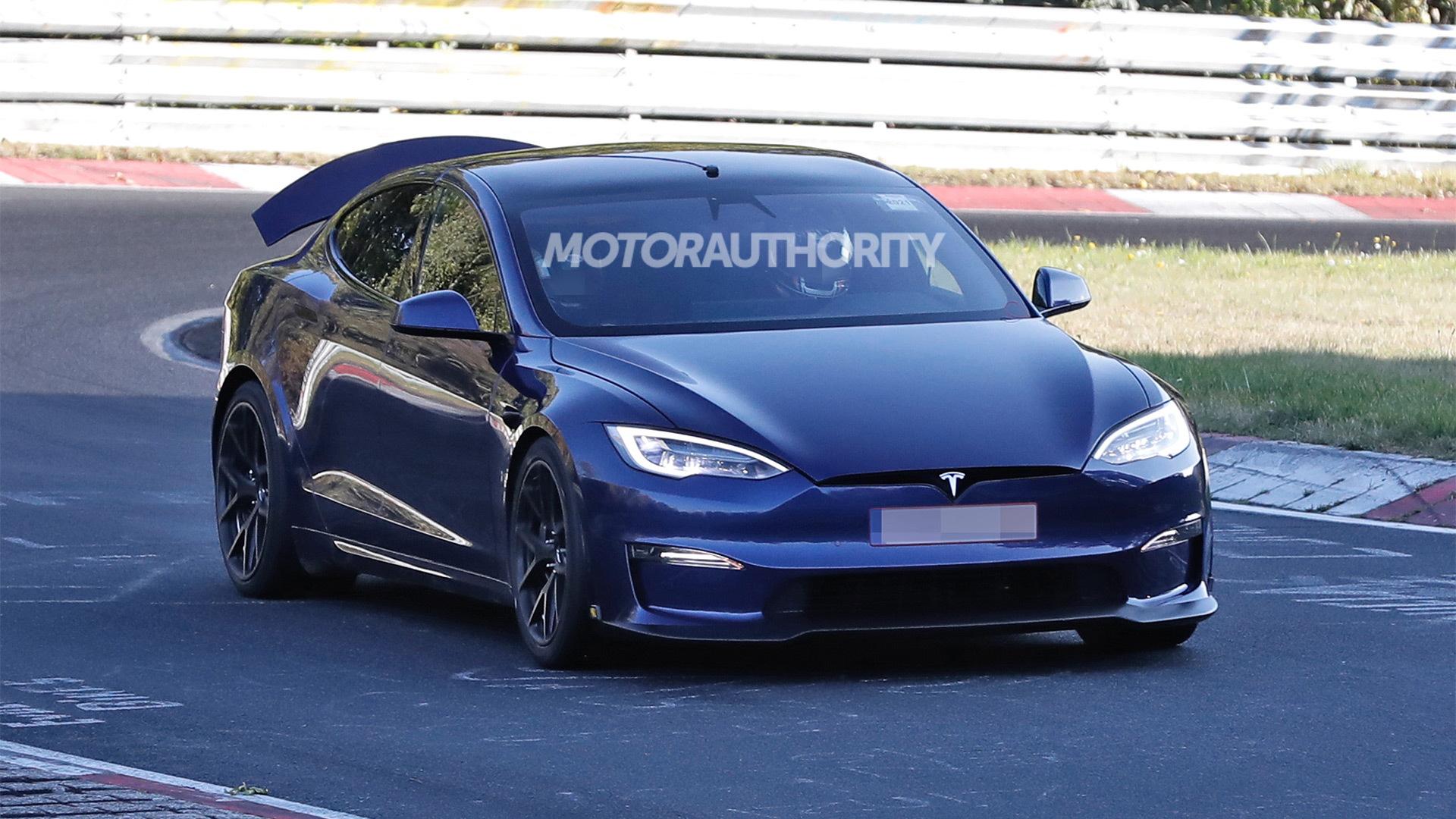 2021 Tesla Model S Plaid with active aero spy shots - Photo credit:S. Baldauf/SB-Medien