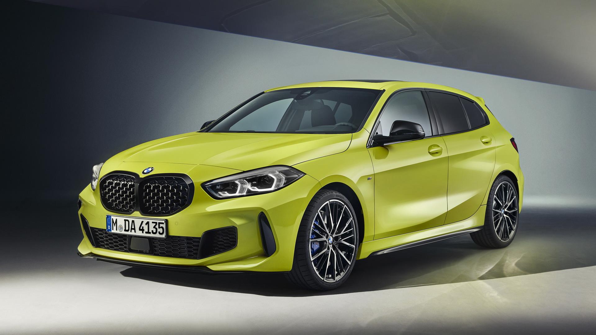2022 BMW M135i