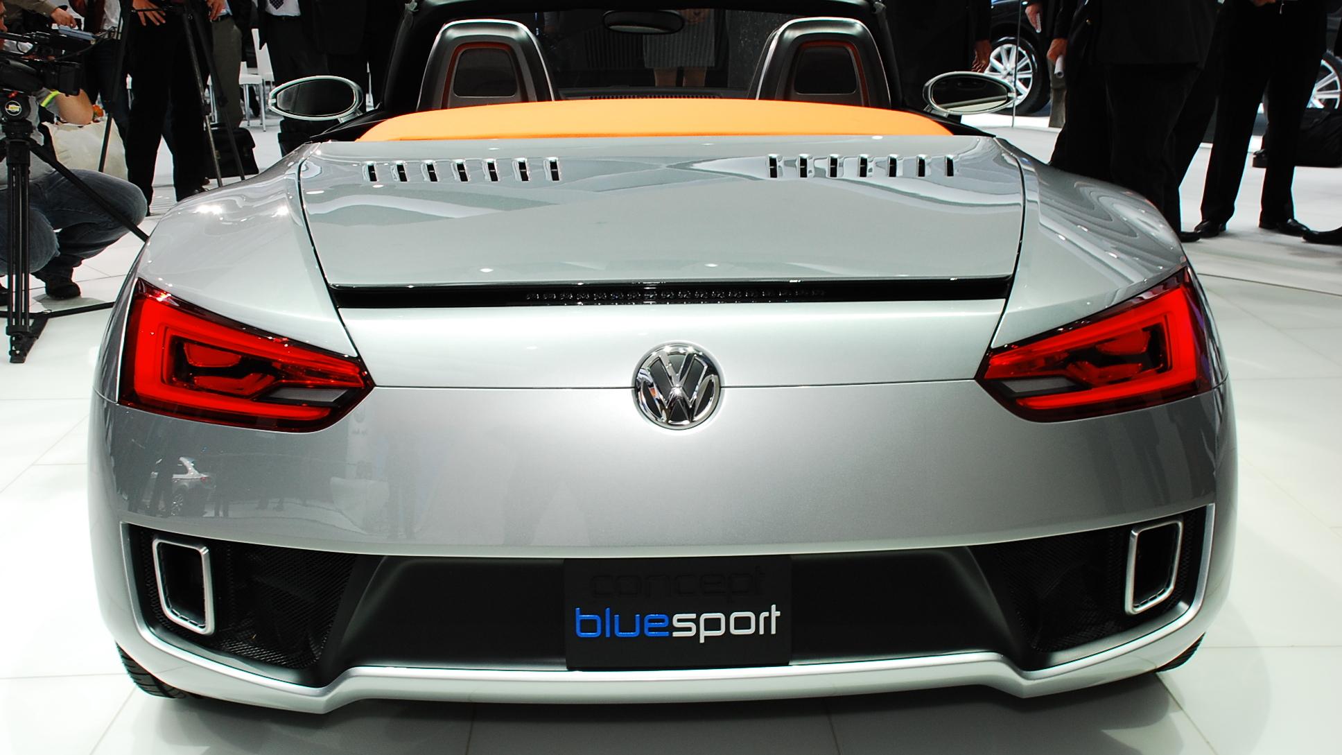 2009 volkswagen bluesport roadster concept live 03 1
