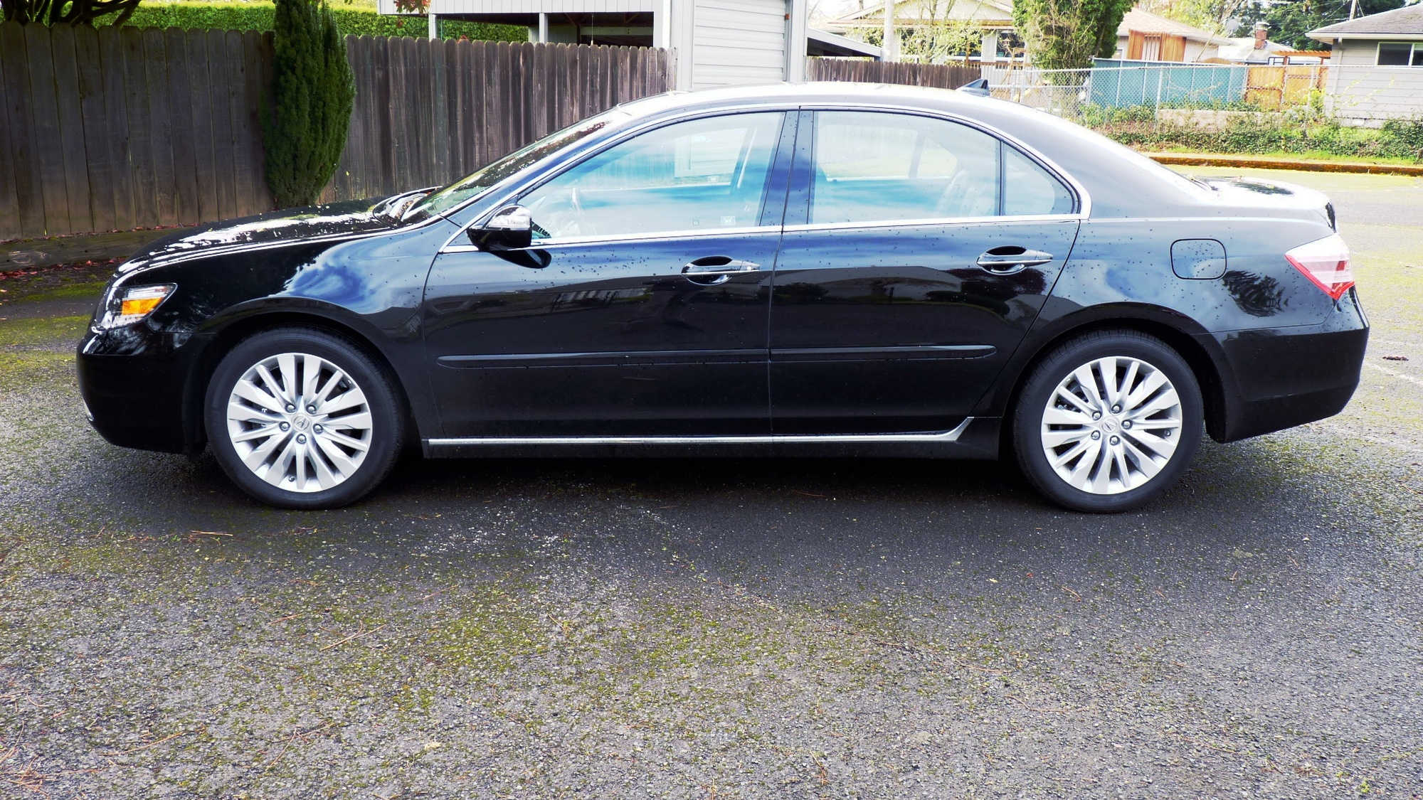 2011 Acura RL Advance
