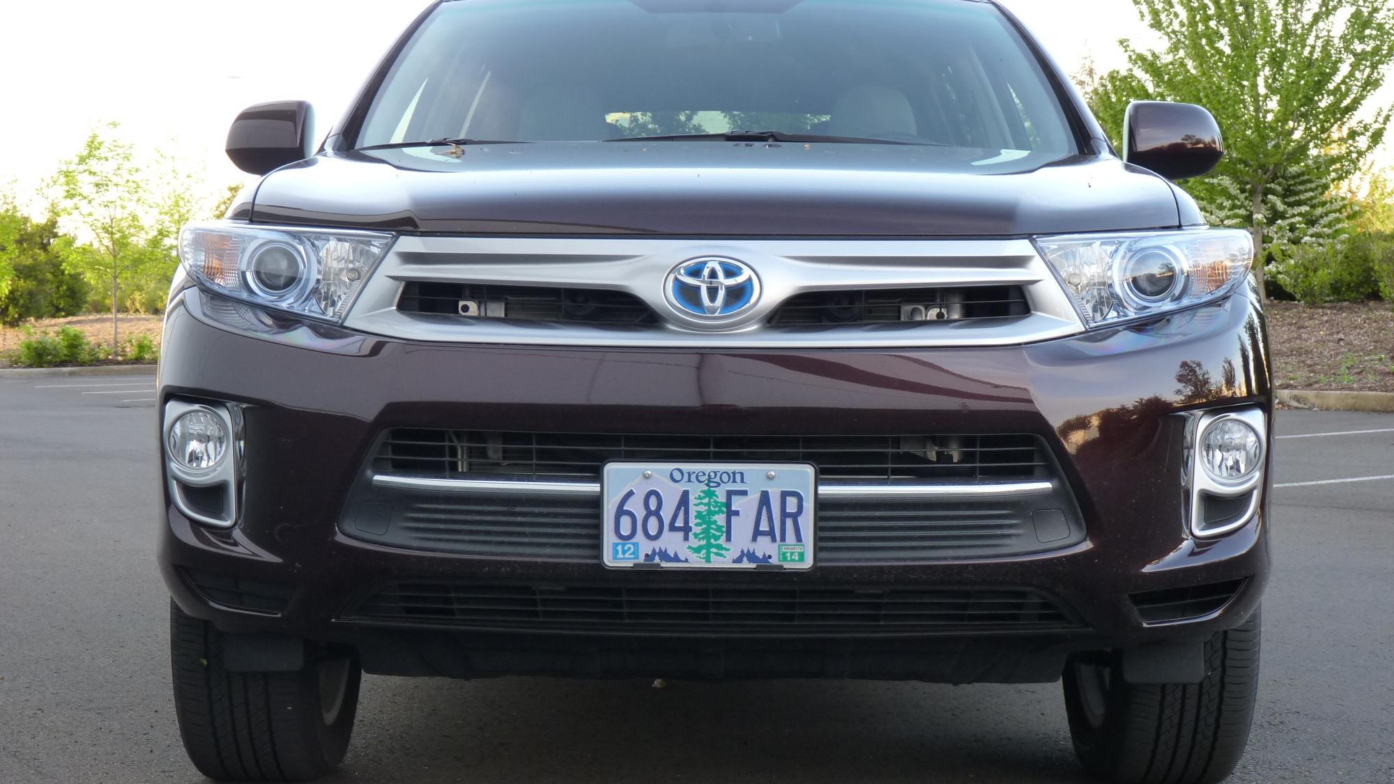 2011 Toyota Highlander Hybrid  -  Driven, May 2011