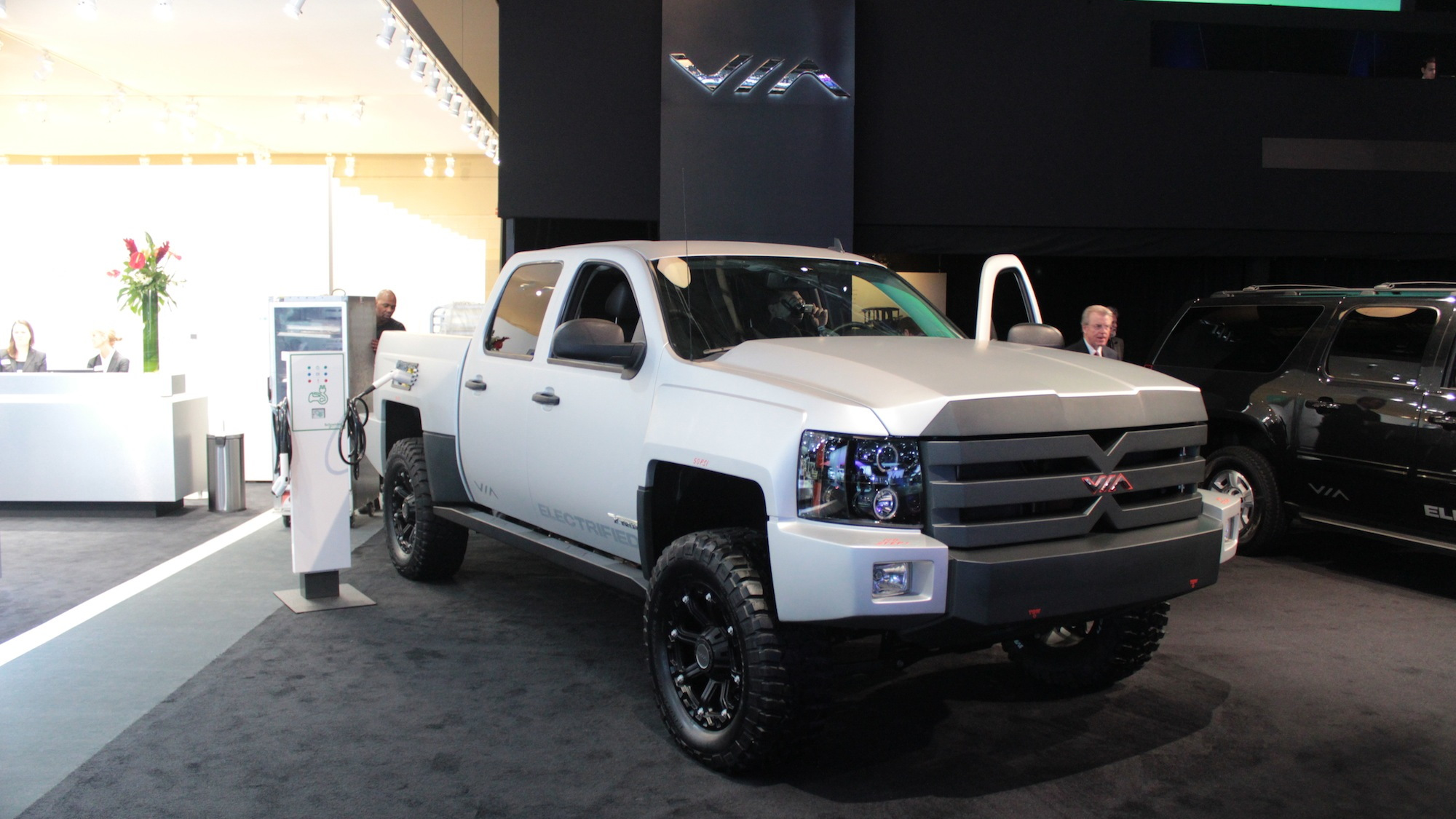 Via Motors XTRUX 800-hp electric pickup live photos, 2013 Detroit Auto Show