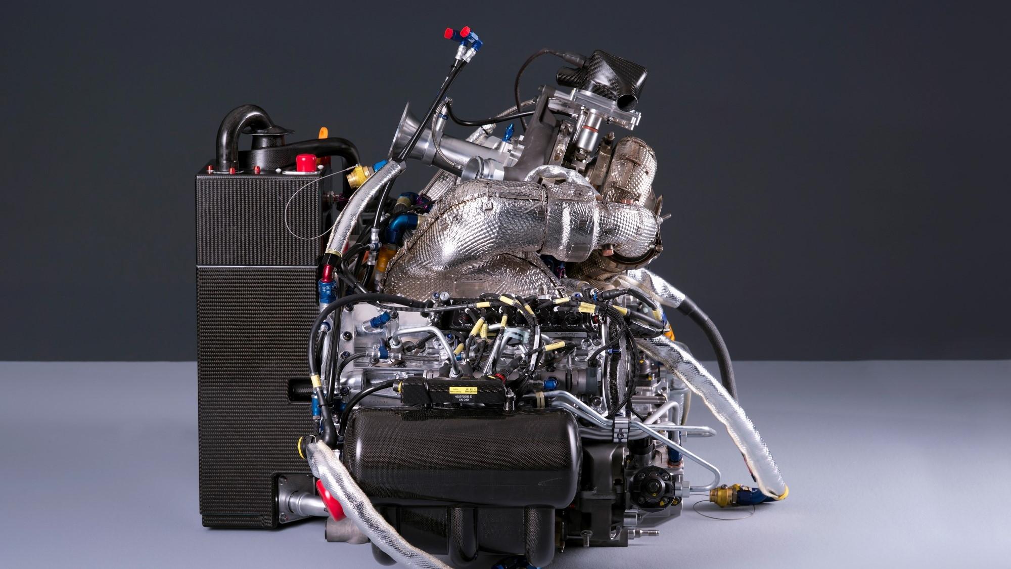 Audi Le Mans prototypes, lightness through carbon fiber