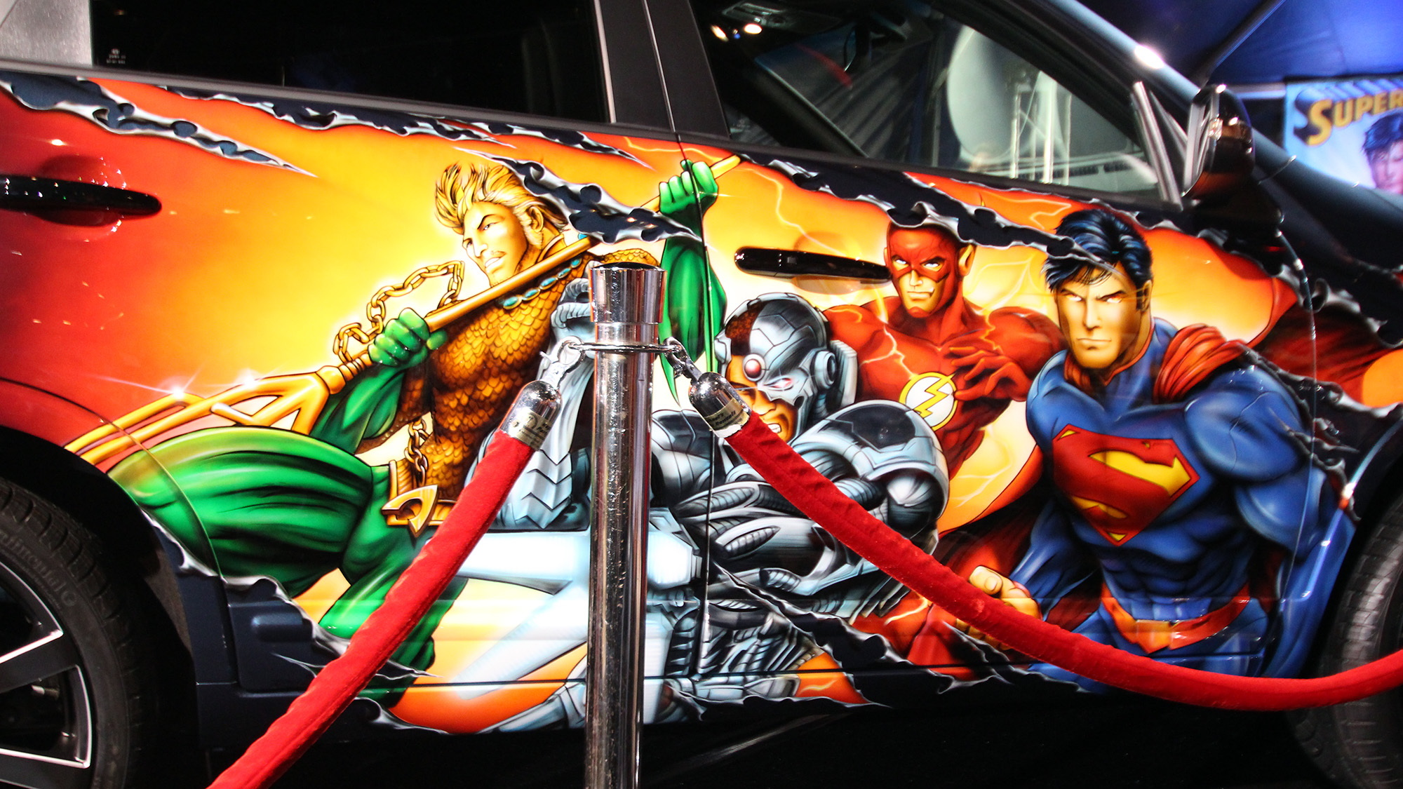 kia brings justice league sorento to comic con