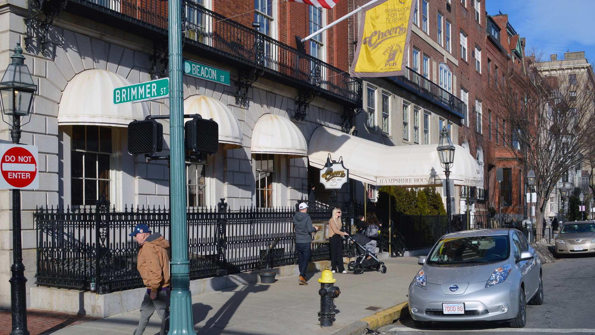 2015 Nissan Leaf in front of Cheers Bar, Boston [photo: John Briggs]