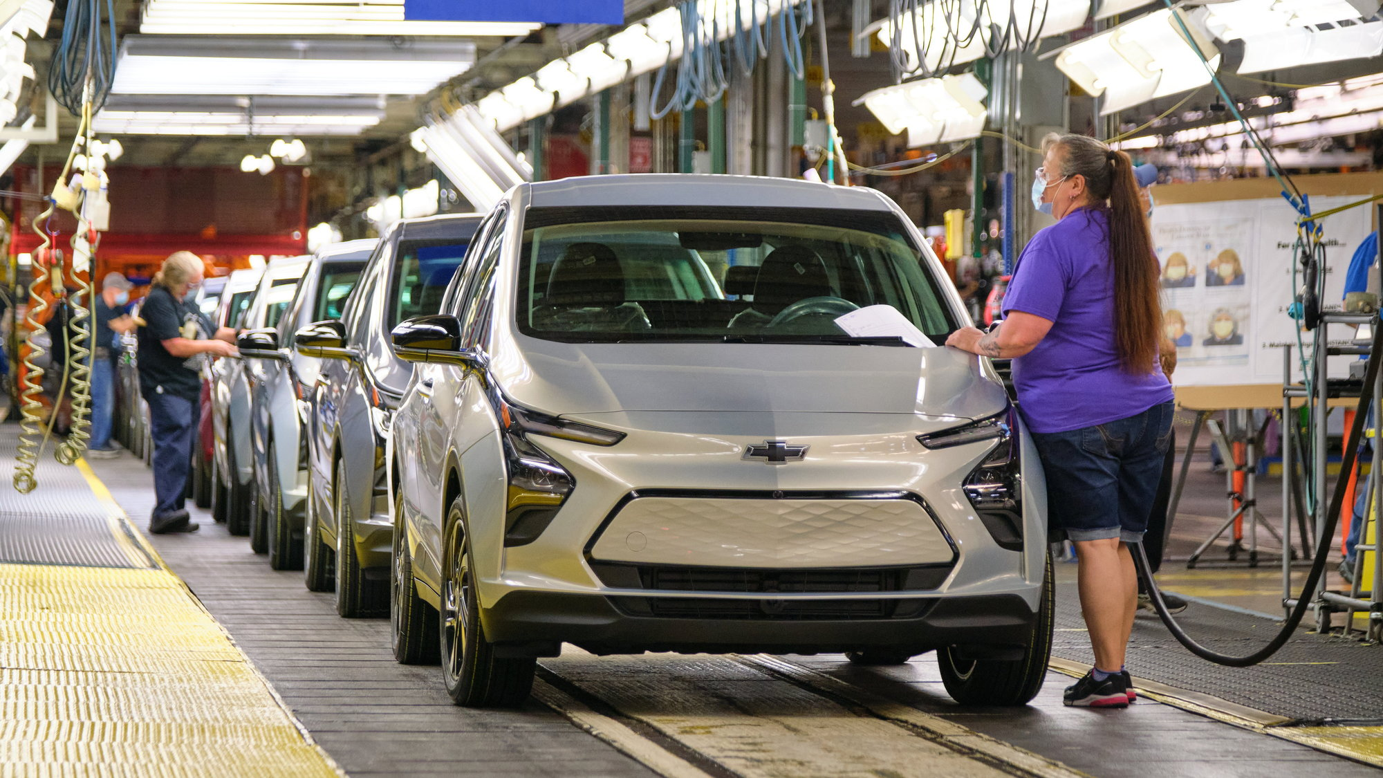 2022 Chevrolet Bolt EUV and EV production starts