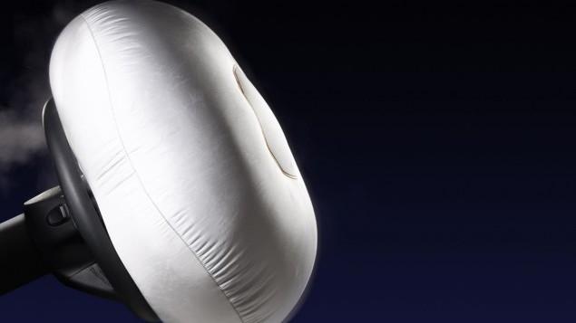 Mercedes-Benz safety - airbag deployment