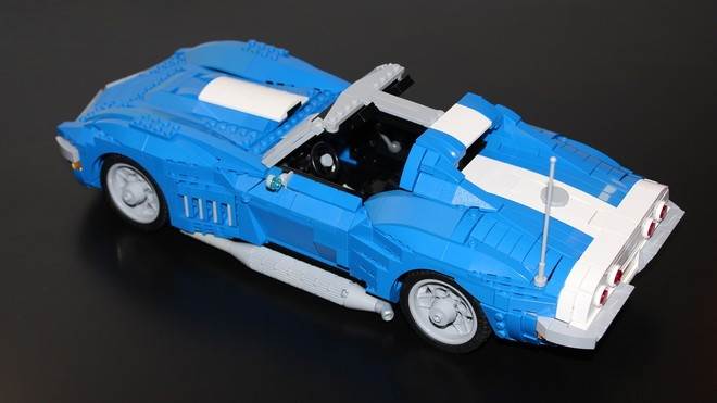 1969 Chevrolet Corvette lego kit by Brickdater, via Lego Ideas.