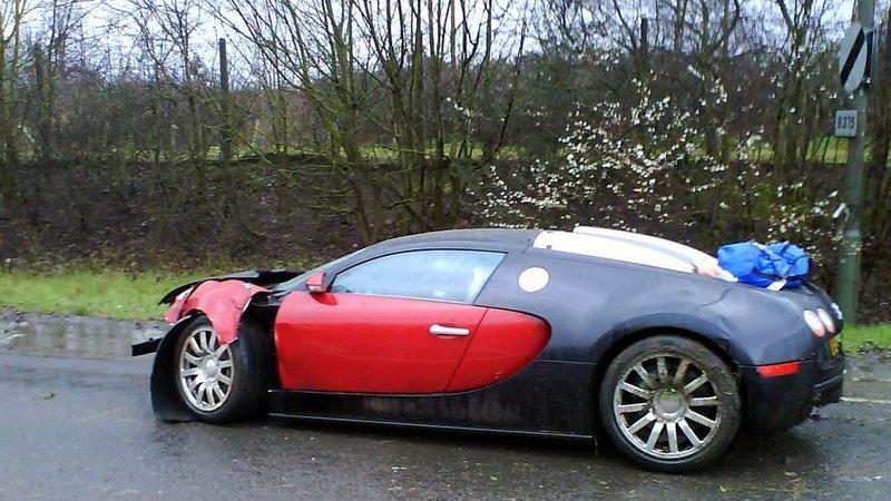 veyron smash02 1 1