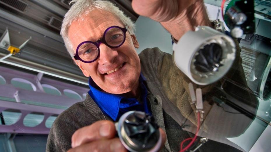 James Dyson with digital motors  [image: Dyson]