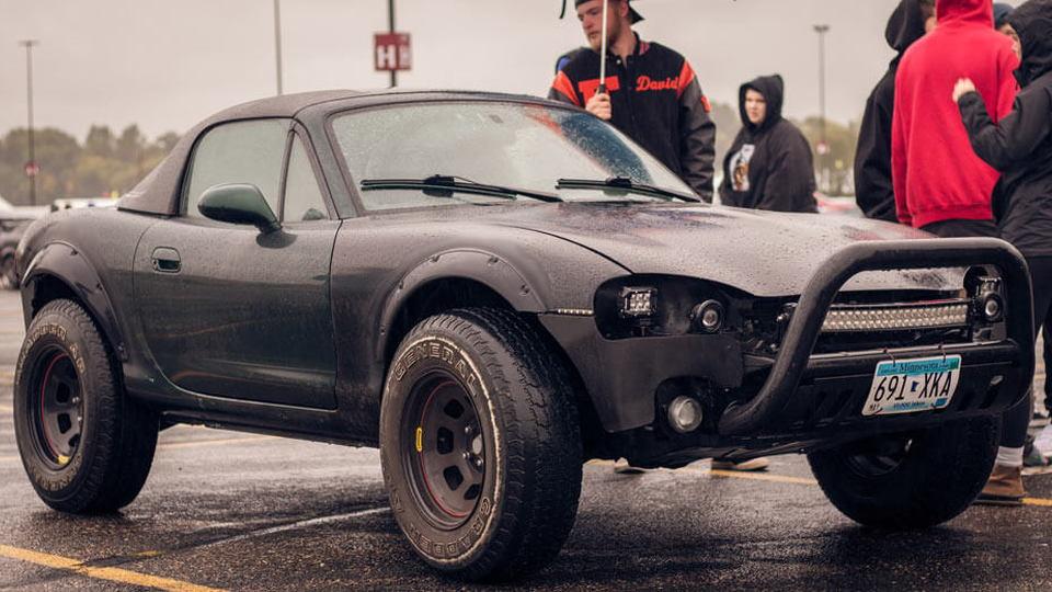Off-road Mazda Miata Photo: Alex Bellus Photography