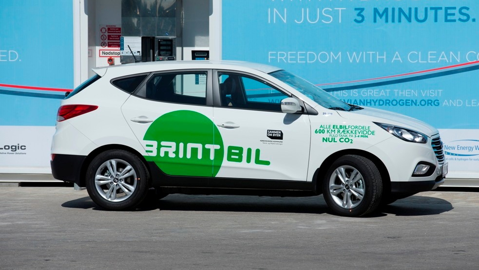 Hyundai ix35 hydrogen fuel-cell car