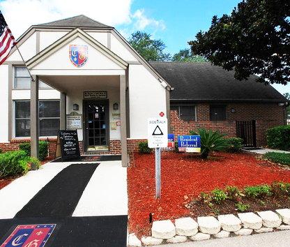 Reviews prices for canterbury gardens apartments jacksonville fl for Canterbury gardens jacksonville fl