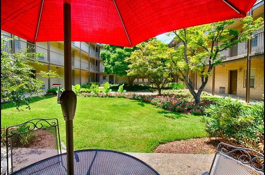 Canterbury Apartments - 26 Reviews | Tuscaloosa, AL Apartments for ...