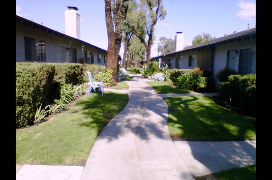 Image Of Windsor Garden Apartments In Tustin, CA