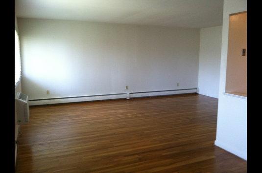 Image Of Carlton Apartments In Ewing, NJ