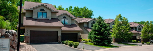 Oaks Lincoln Townhomes