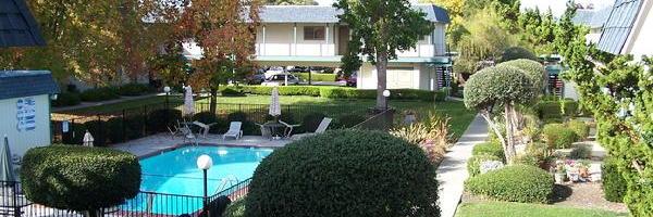 Villa De Wright Apartments