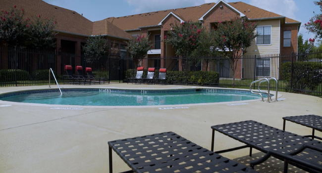 WELCOME TO CRAWFORD PARK APARTMENTS IN DALLAS, TX