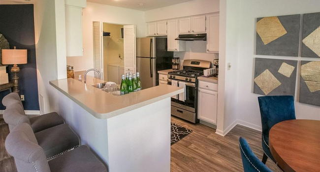 Image of The Residence at Christopher Wren Apartments in Gahanna, OH
