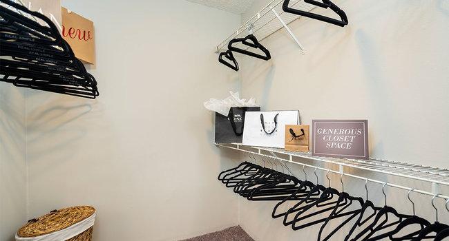 Barrington Place Apartments - 56 Reviews | Westlake, OH ...