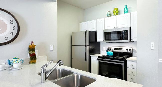Terrazzo Apartments 84 Reviews Austin Tx Apartments For