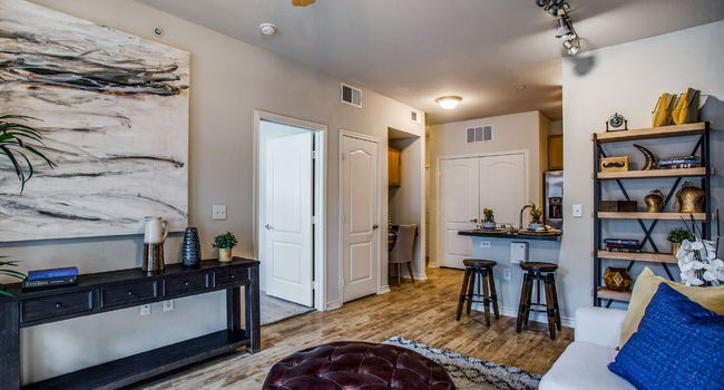 Tribeca - 145 Reviews | Plano, TX Apartments for Rent ...