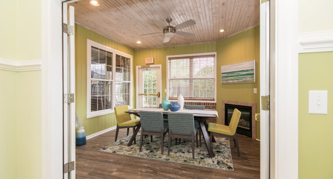 Pine Valley Apartments - 39 Reviews | Elkton, MD ...
