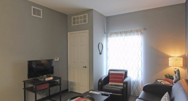 Living room, comes w/ cable box box and furniture