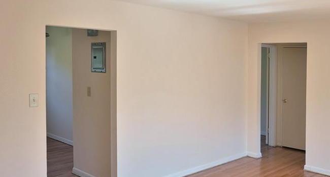 Woodbridge Apartments 49 Reviews Edison Nj Apartments For Rent