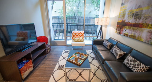 33 North Apartments - Student Living - 45 Reviews | Denton ...