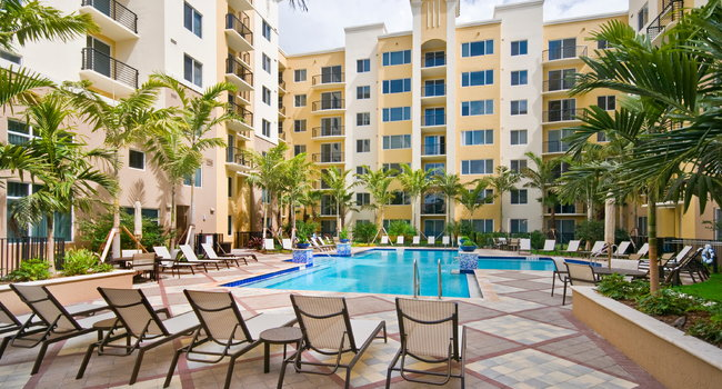 Solmar on Sixth Luxury Apartments - 111 Reviews | Fort ...