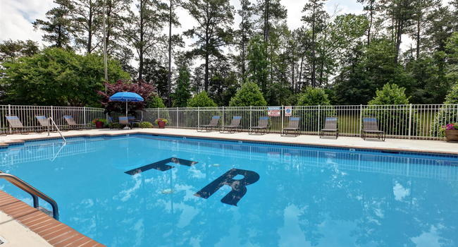 Image of Foxridge Apartments in Durham, NC