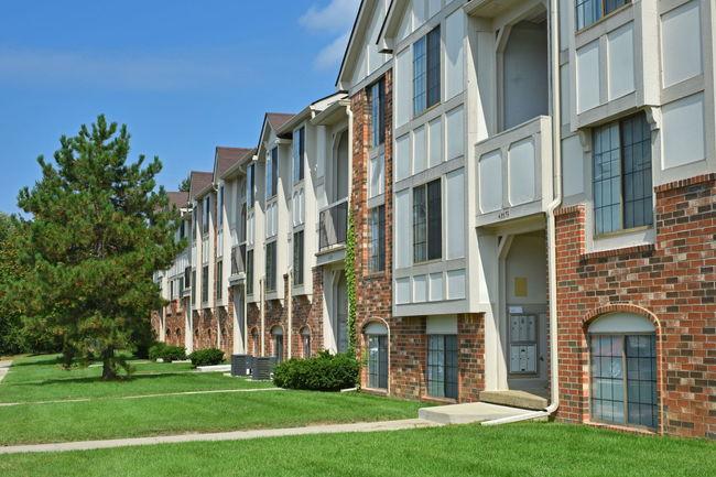 Springs Apartments - 149 Reviews | Novi, MI Apartments for ...