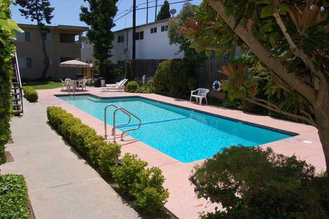 Emerald West Apartments 5 Reviews Torrance Ca