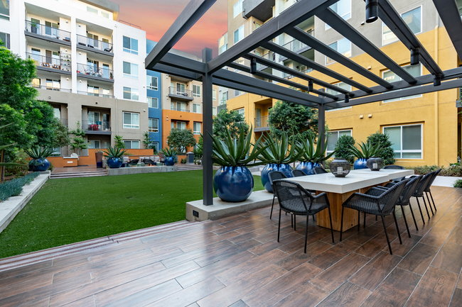 Bell South Bay Apartments - 27 Reviews | Inglewood, CA
